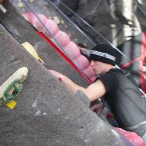 boys-climbing-3-7-09-001