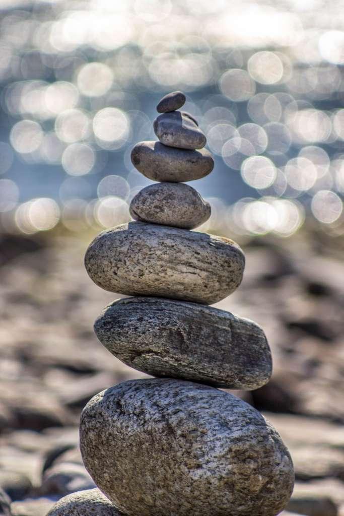 Rocks balanced on top of eachother.